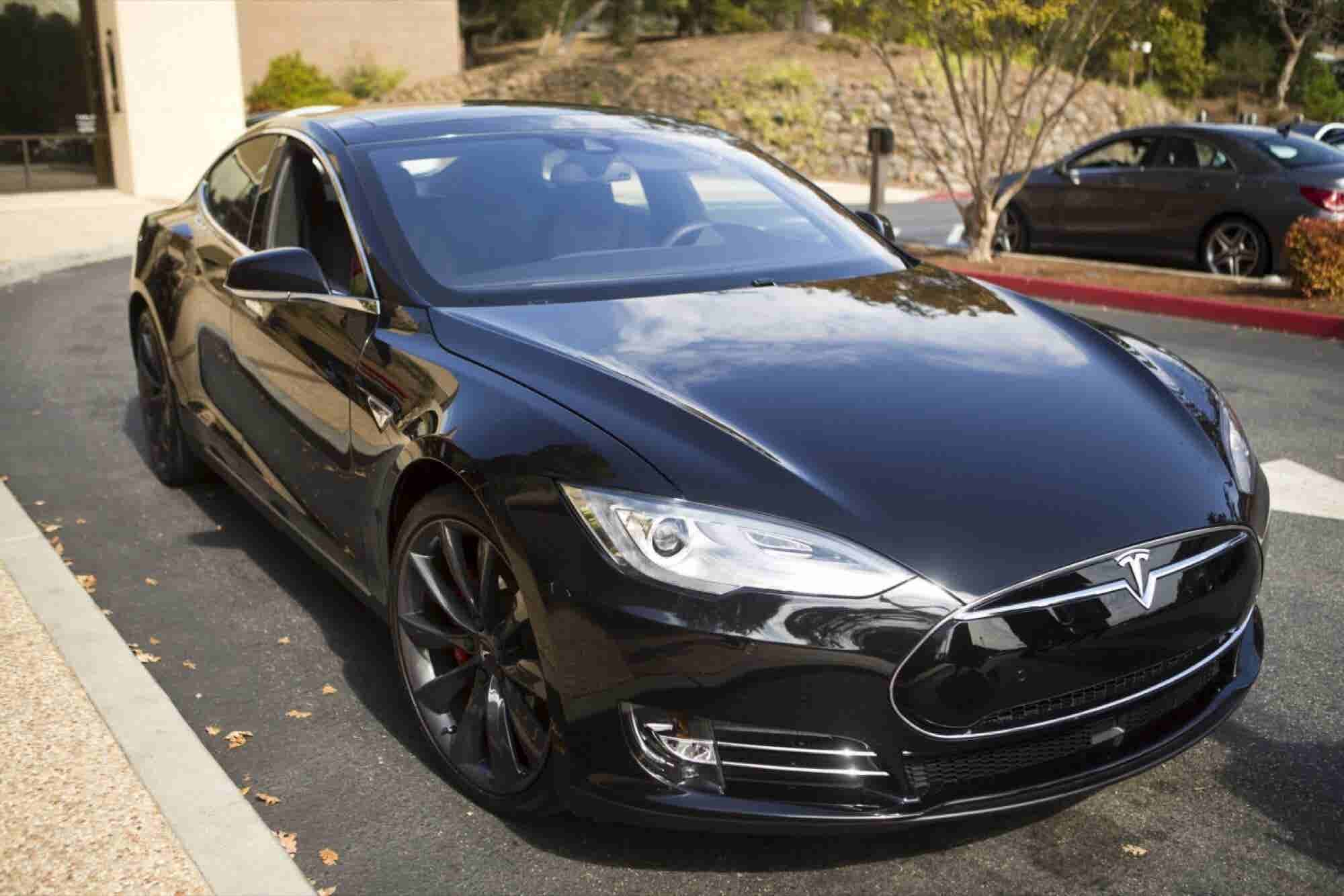 Wall Street Values Tesla Motors at $620,000 Per Car Sold Last Year
