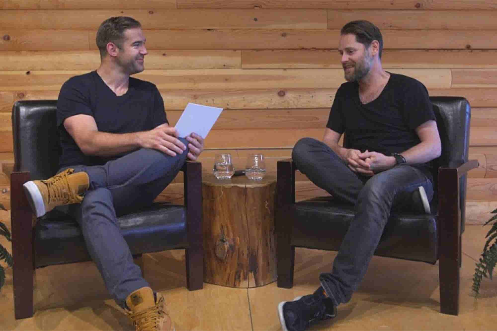 Hootsuite Founder Talks Good Hustle vs. Bad Hustle, Building a Billion...