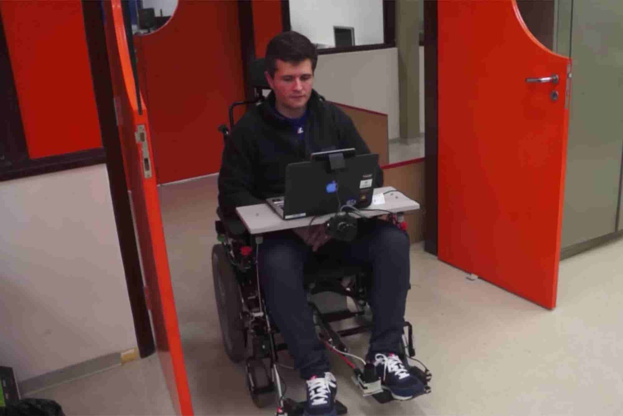 All You Need to Control This Wheelchair Is Your Face