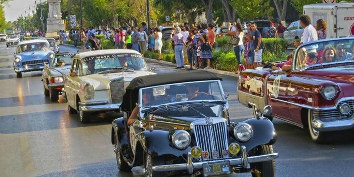 ¿Autos clásicos rodando por Yucatán? ¡Es el Rally Maya 2016!