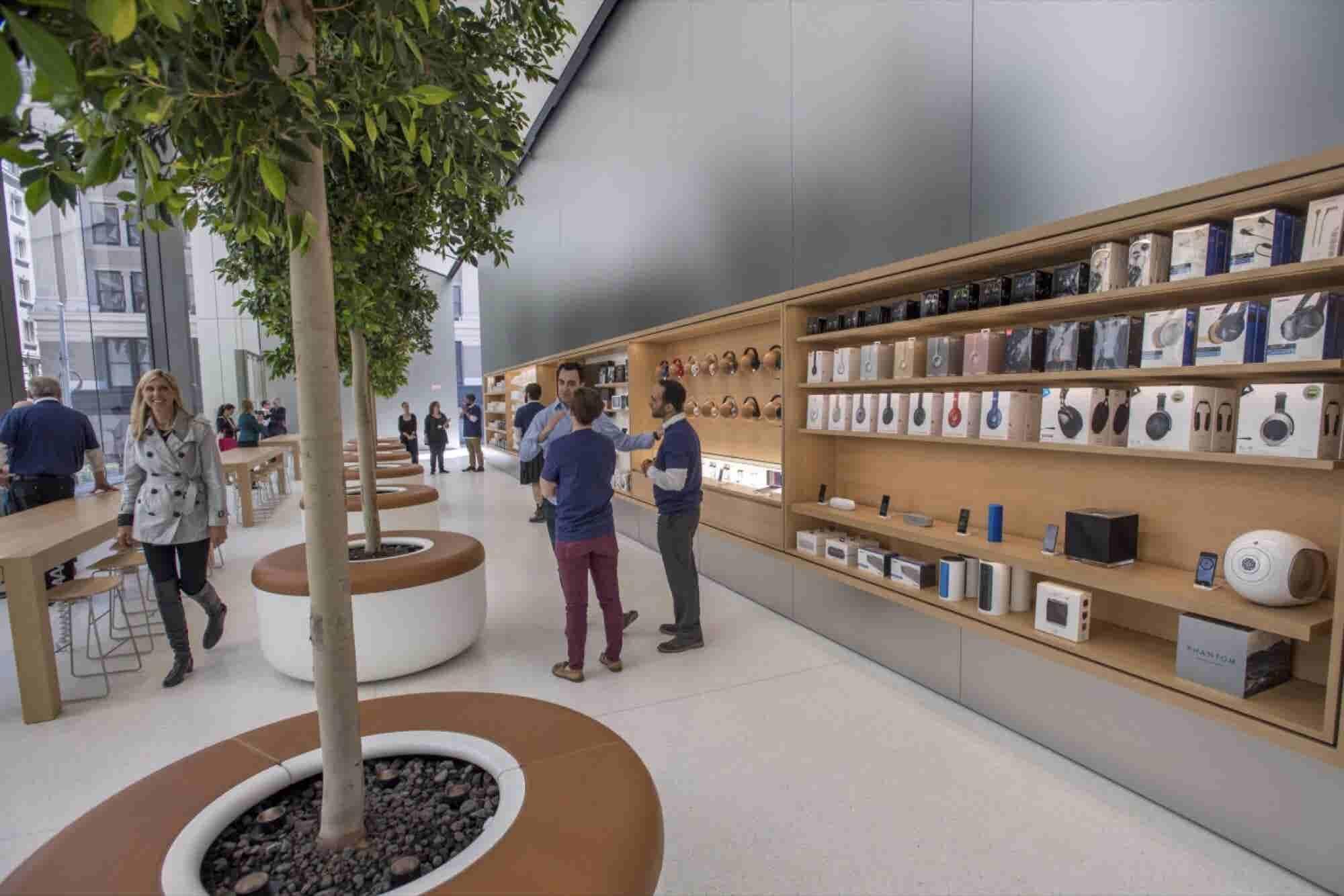 Apple Unveils New Store Design