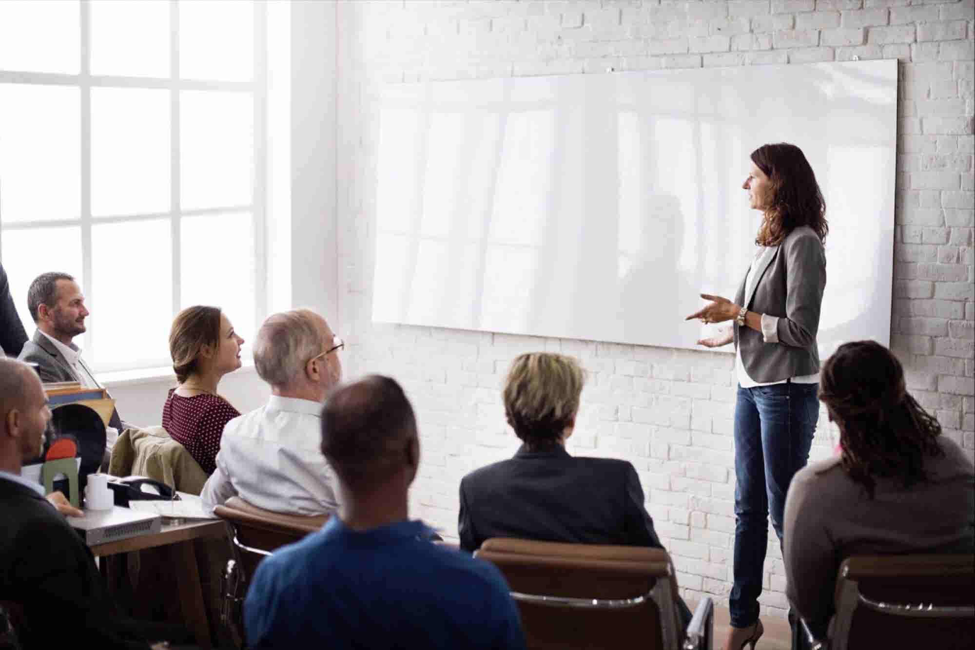 How to Report to a Woman If You're a Man