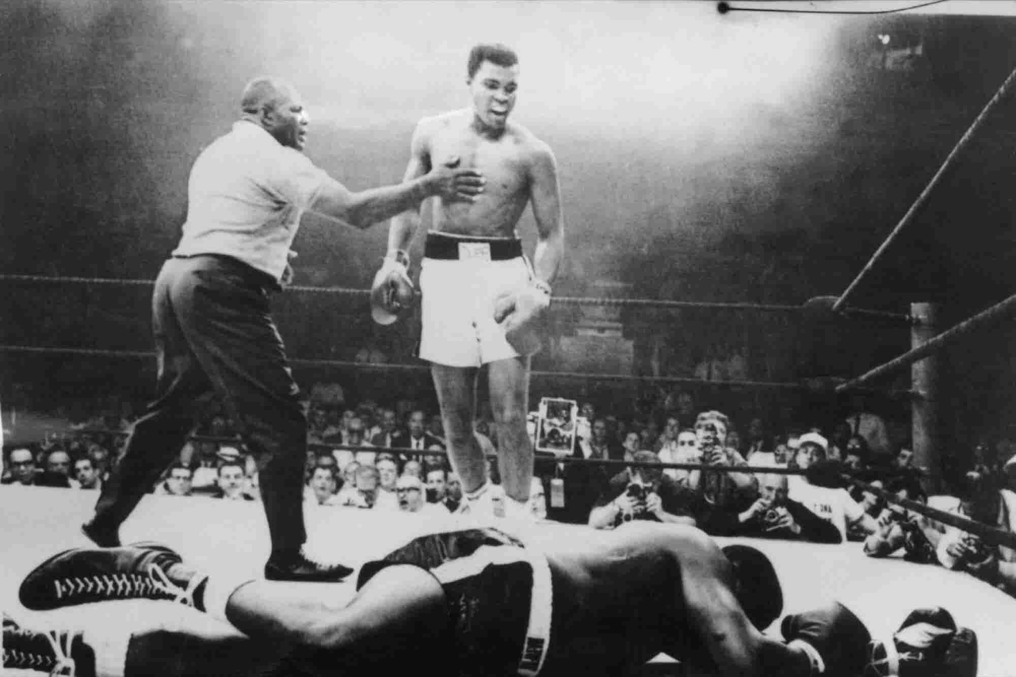 The World Reacts on Social Media to Muhammad Ali's Death