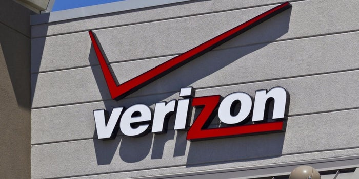Verizon to Submit $3 Billion Bid for Yahoo's Internet Business