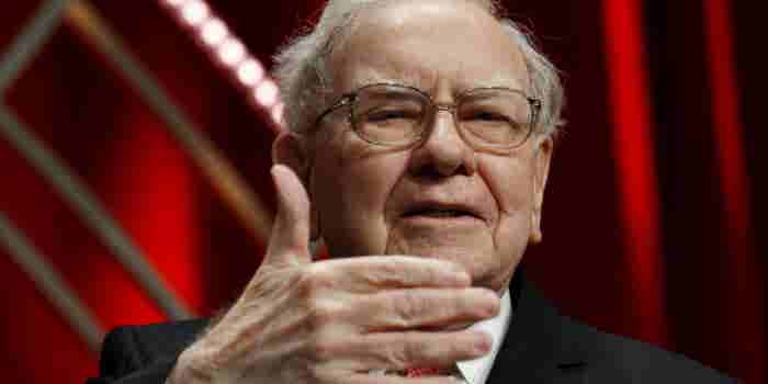 Buffett Praises Amazon's Bezos, a 'Classic Example' of a Successful Business Owner