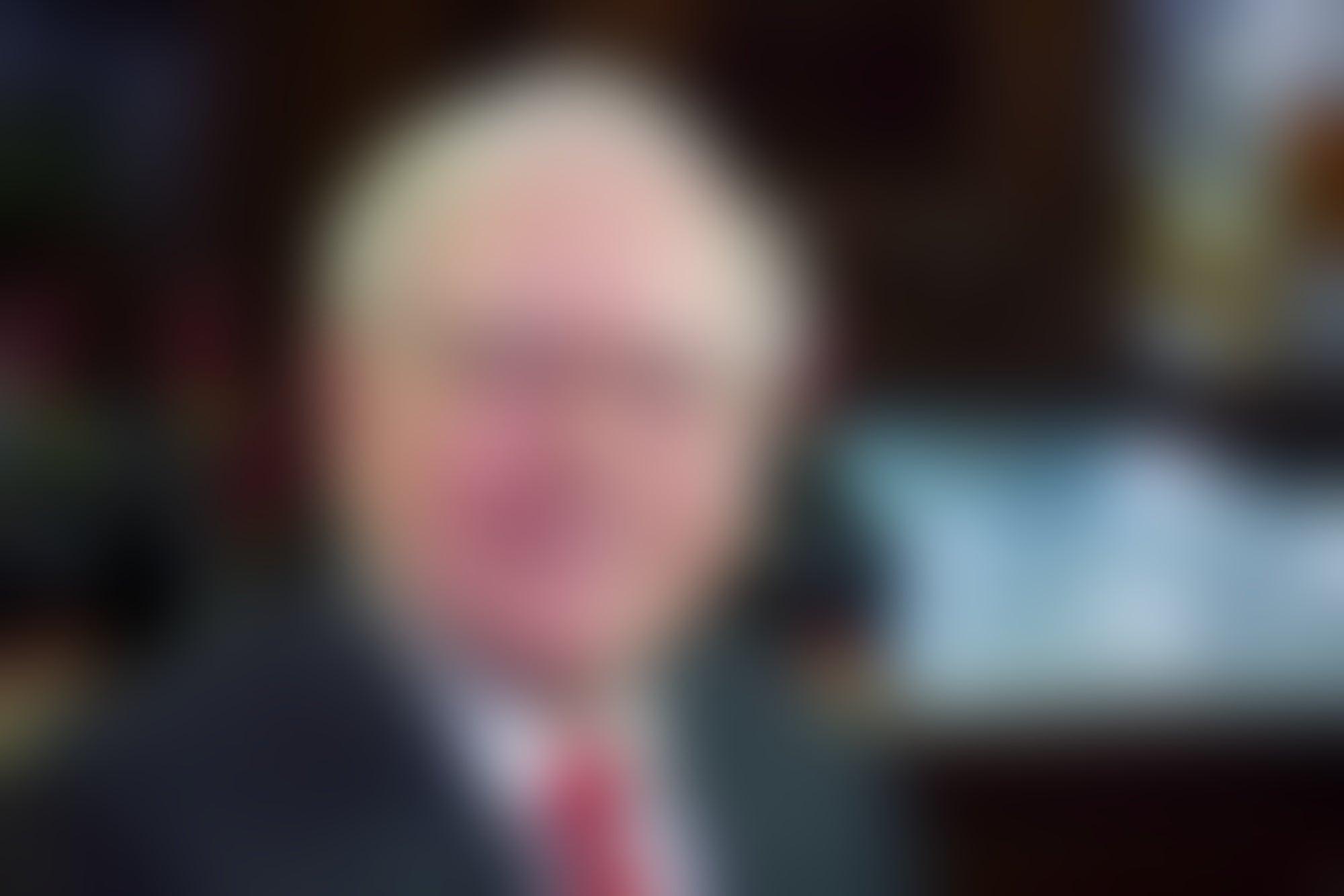 Anonymous Bidder Pays $3.46 Million for Warren Buffett Lunch