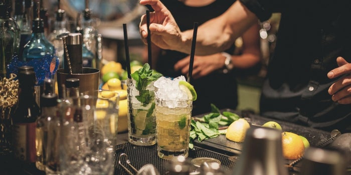 Bartender-Approved Tips for Negotiating Deals at the Bar