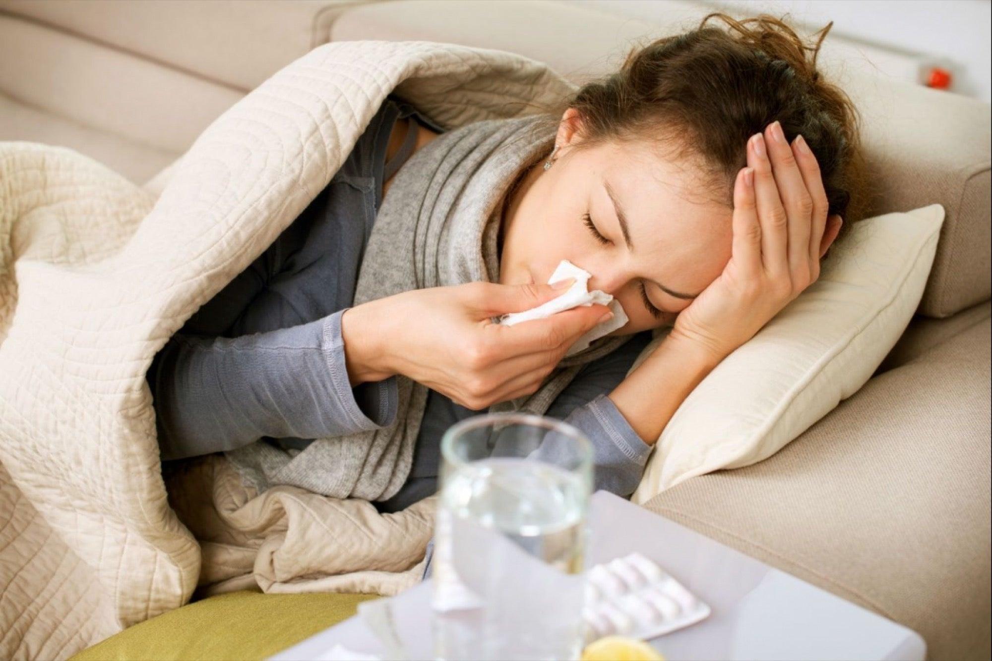Síntomas congestión dolor de cabeza dolor de garganta