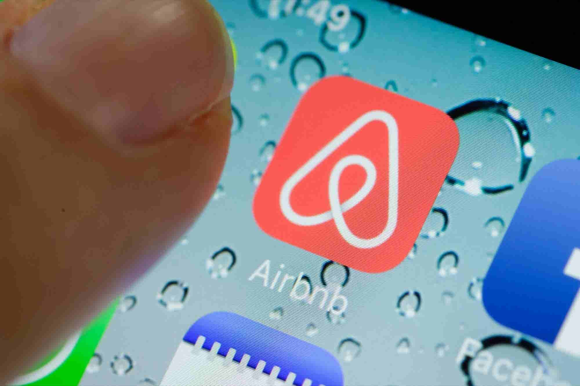 Airbnb Is Meeting With Civil Rights Leaders to Combat Discrimination -- Start Up Your Day Roundup