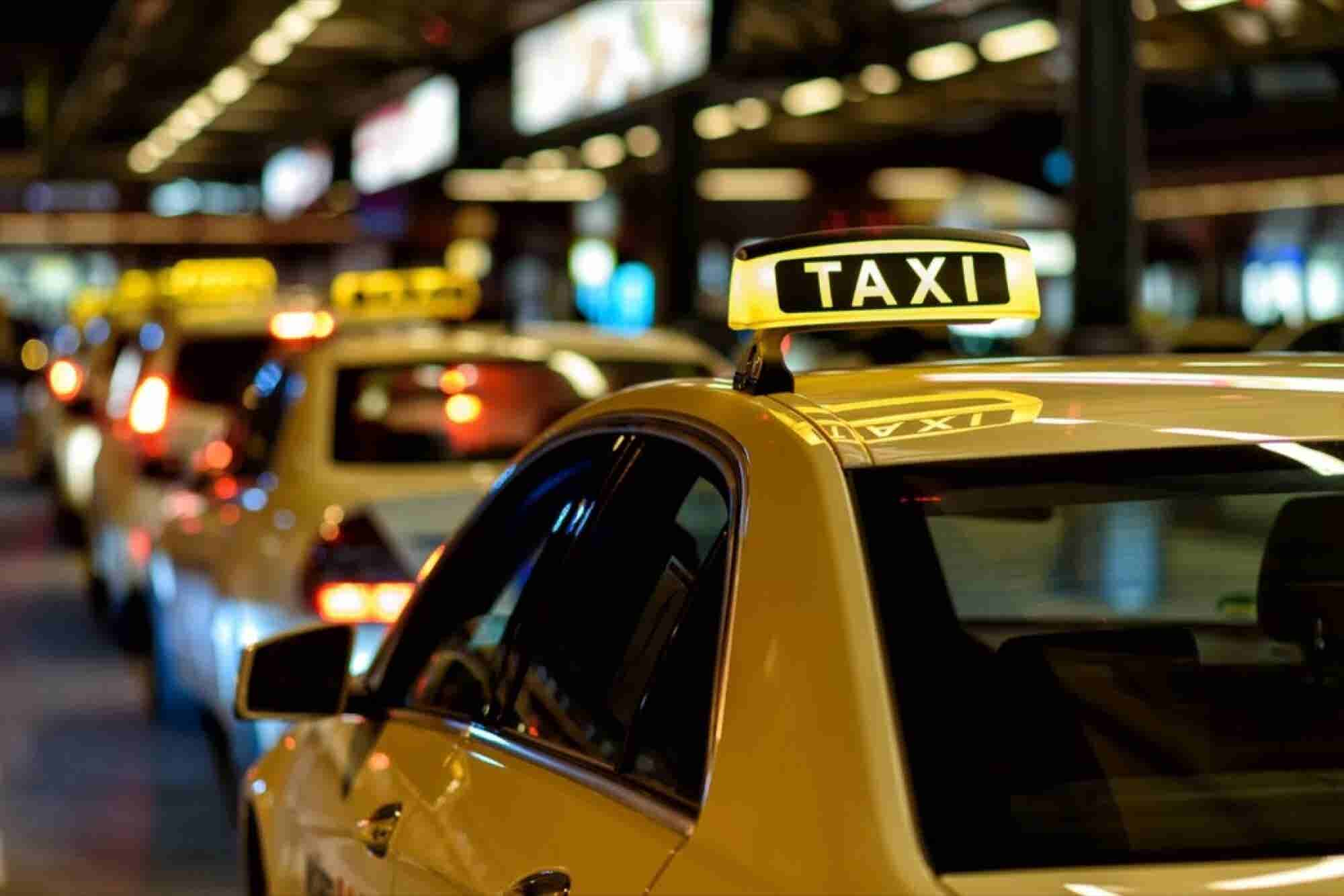 Daimler's Mytaxi to Merge With Hailo to Take on Uber