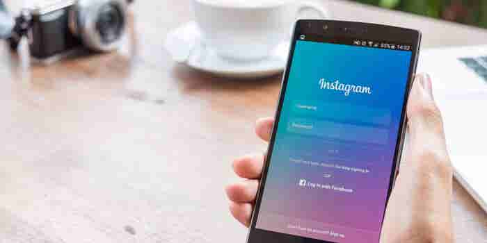 Instagram Stories vs Snapchat Stories: Which one's better for your business?