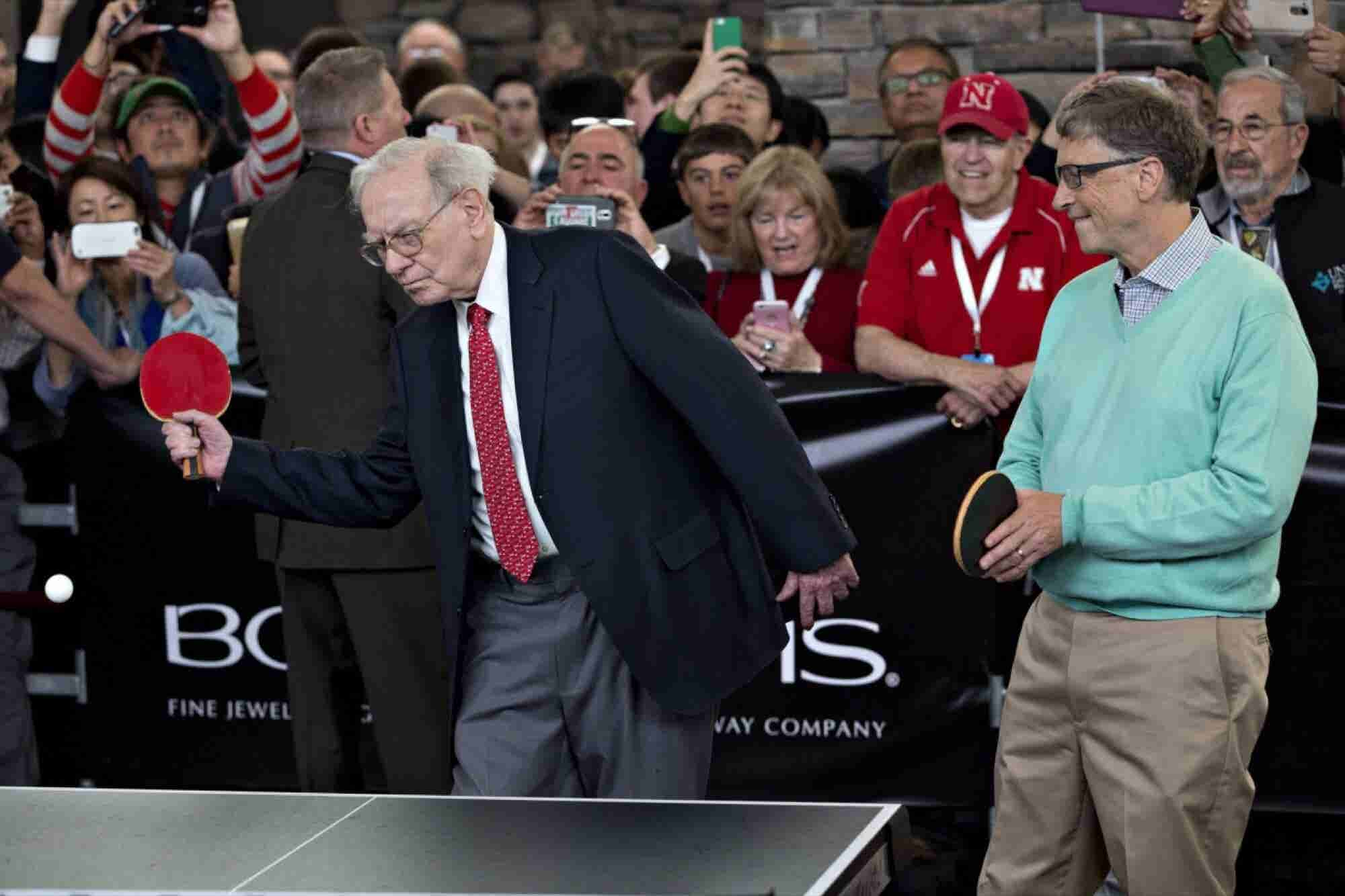 Bill Gates and Warren Buffett Celebrate 25 Years of Billionaire Broman...