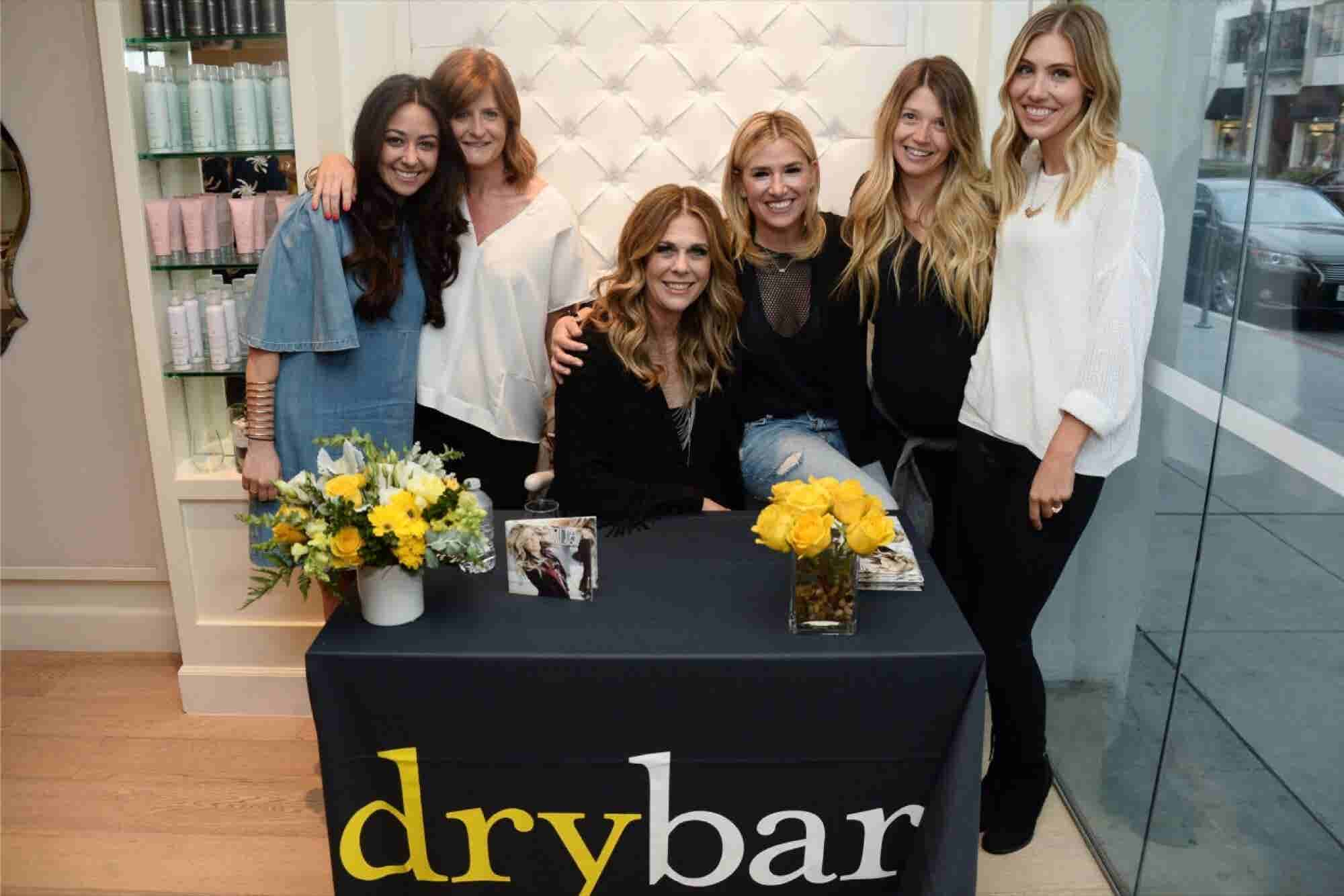 3 Things About Customer Experience You Can Learn From Drybar