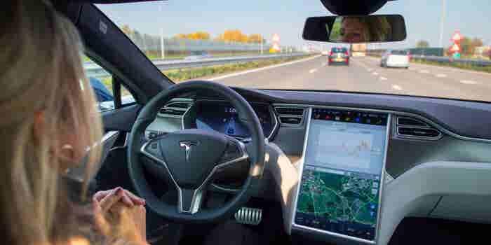 Tesla Crash Raises Stakes for Self-Driving Vehicle Startups