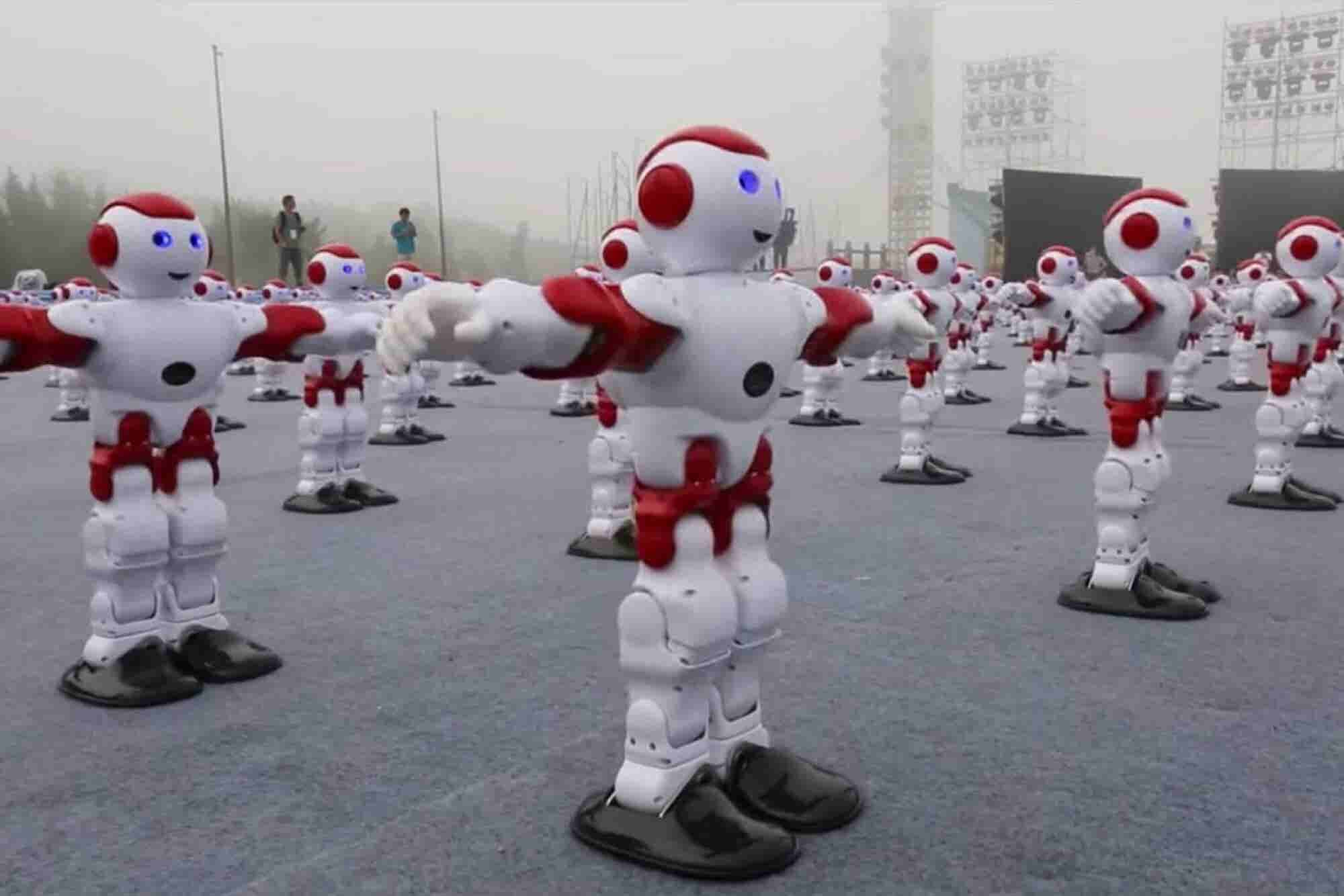 Watch 1,000 Robots Dance in Unison -- and Set a World Record