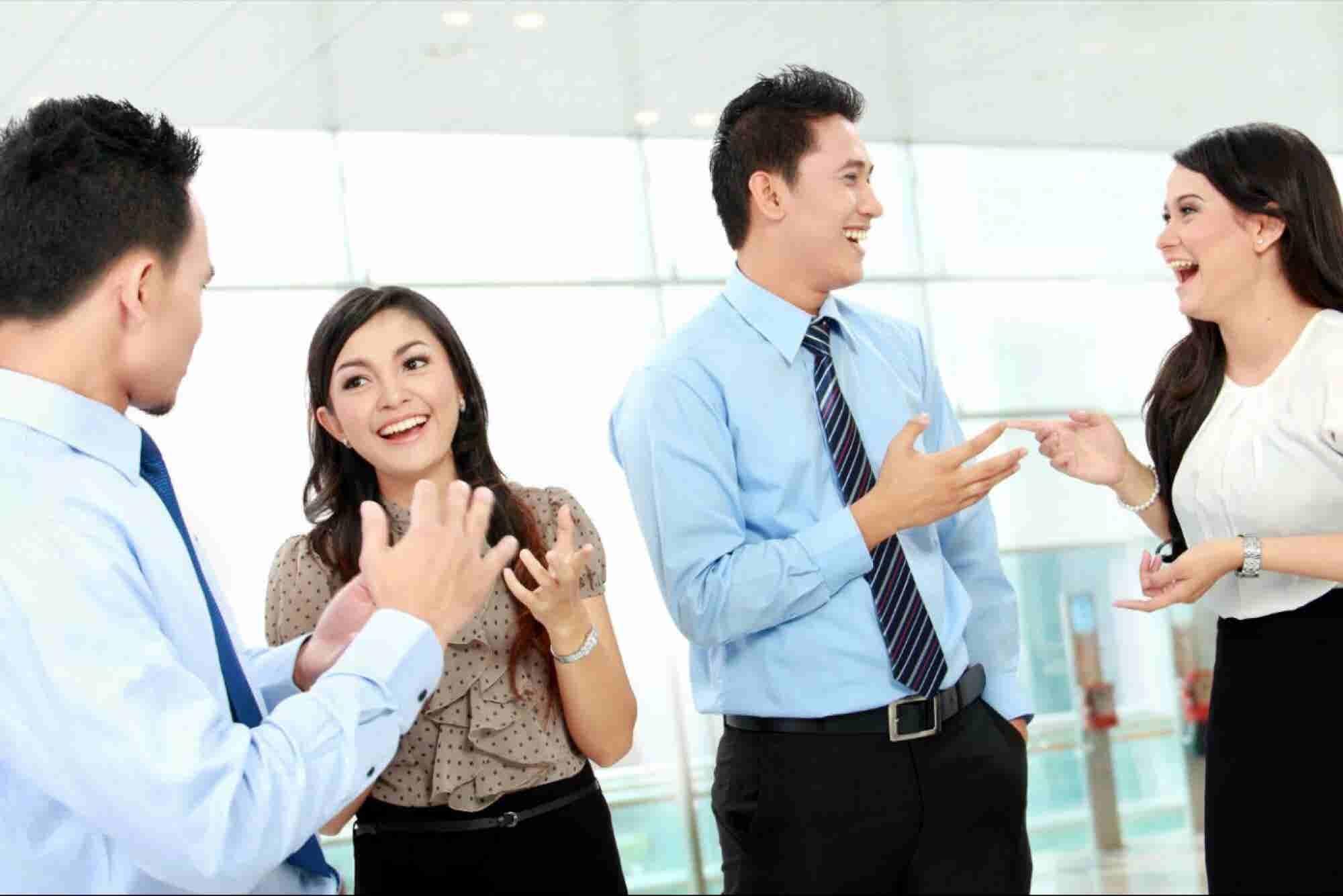 Cómo iniciar conversación para hacer contactos