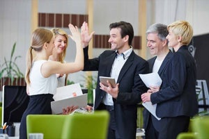 #7 Trends to Adopt to Ensure a Happy Workplace for 2017