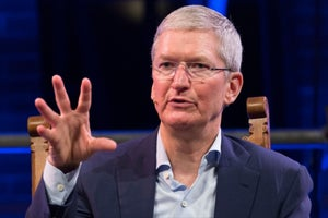 Who the CEO of Apple Turns to When He Needs Advice