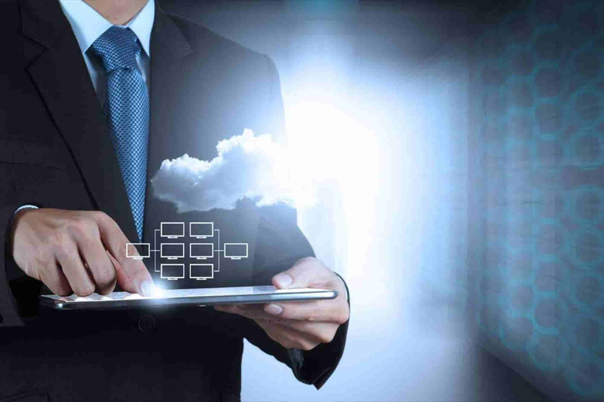 Shift From Private to Public Cloud For Companies is Imminent