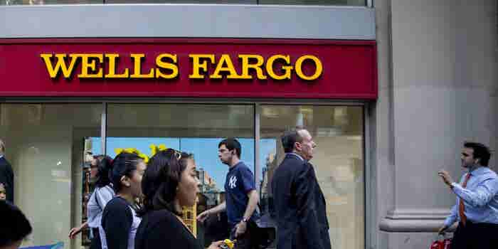 Wells Fargo, Amazon End Deal to Offer Discounted Student Loans