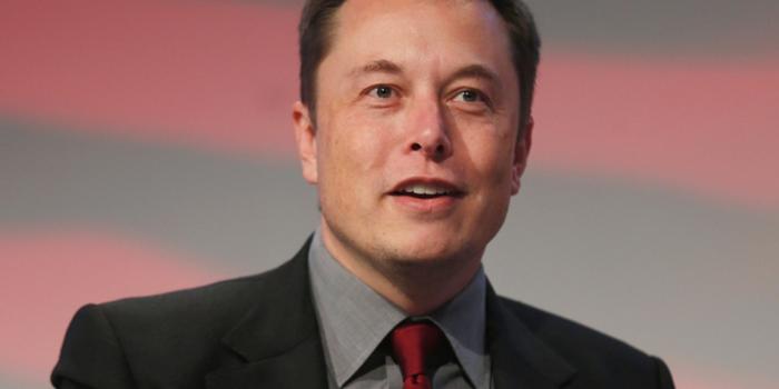 Cohete de Elon Musk explota y destruye satélite de Facebook