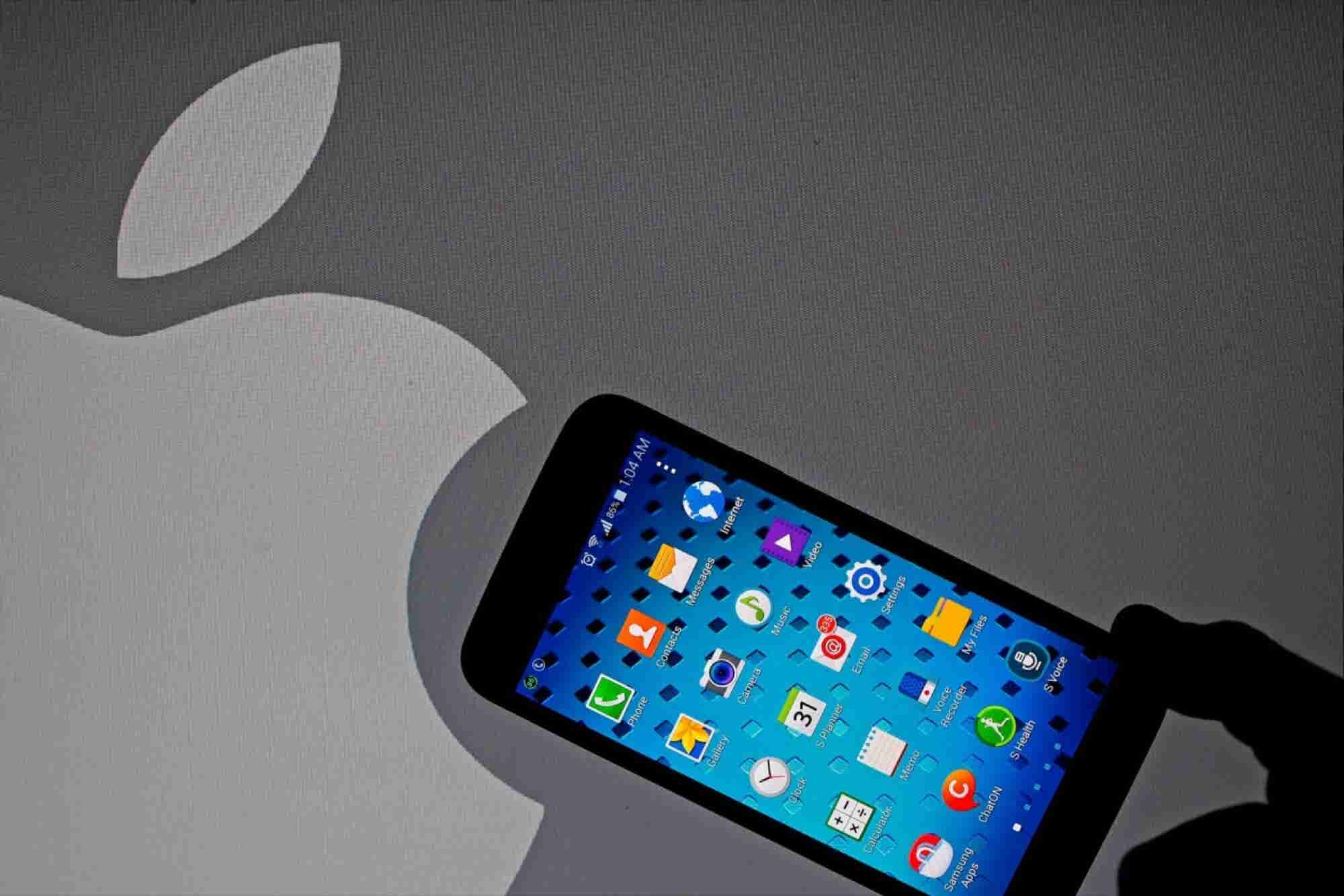 Samsung Trips on Quality Control in a Rush to Beat Apple