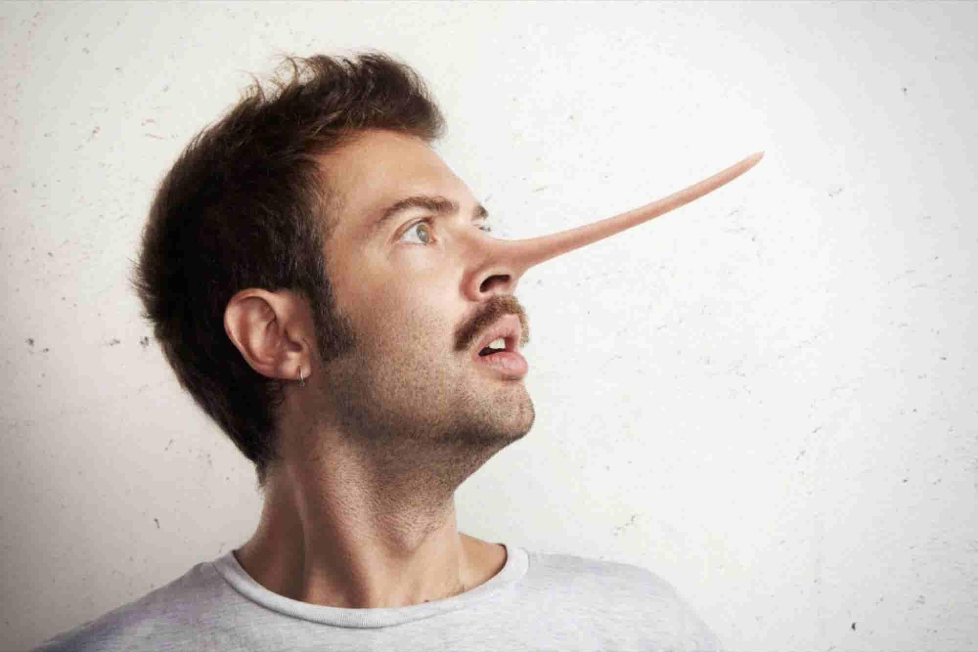 Cómo saber si alguien te está mintiendo