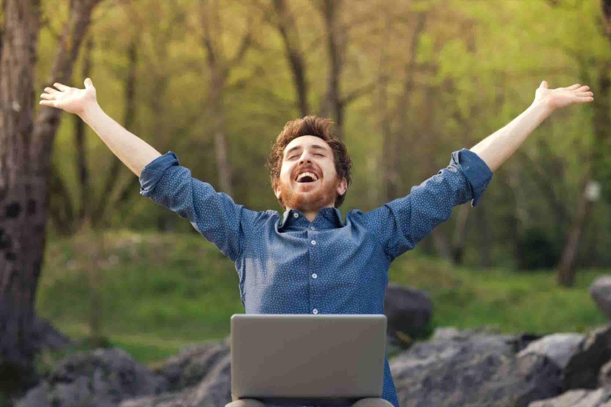 Cómo ser feliz en el trabajo, según Google y Lala