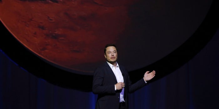 Elon Musk Outlines Plans to Put Humans on Mars