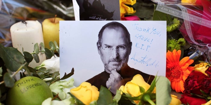 7 Creative, Marvelous and Downright Weird Ways People Paid Tribute to Steve Jobs