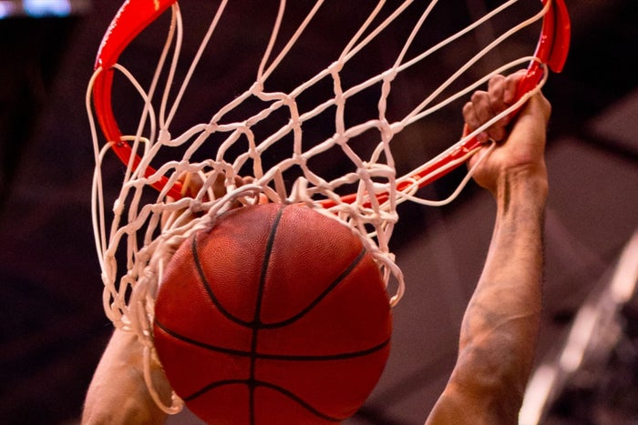7 Leadership Lessons You Can Learn From the Game of Basketball