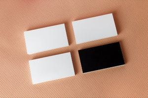 The Do's and Don'ts of Business Cards