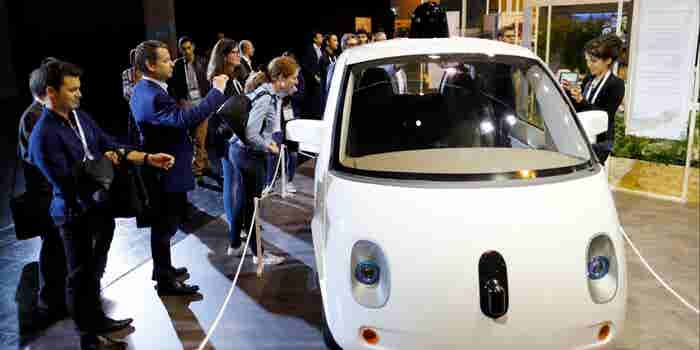 Google, Automakers Object to California Rules for Self-Driving Cars