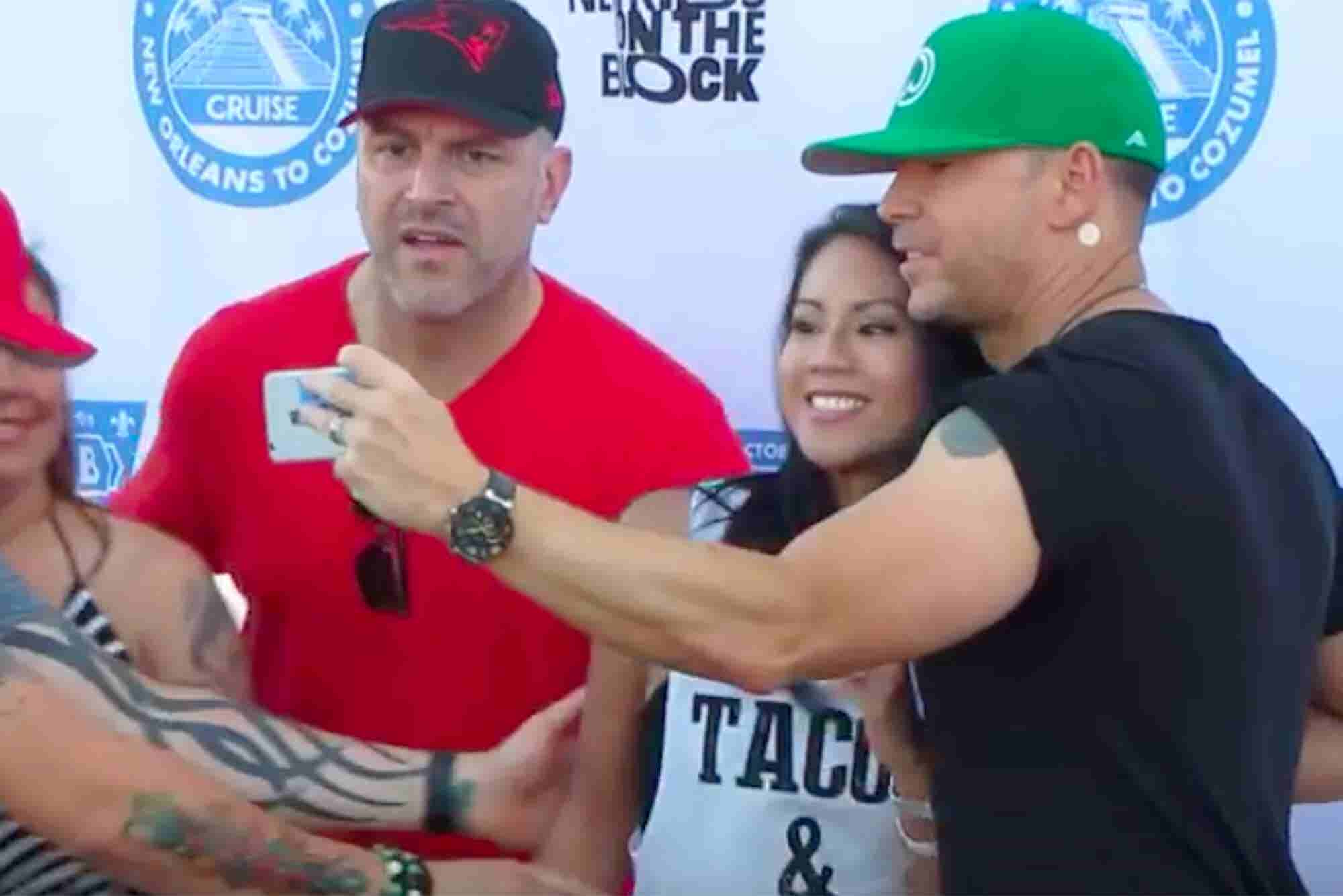 Donnie Wahlberg Just Broke the Guinness World Record for Most Selfies Taken in 3 Minutes. Here's Why That Matters.