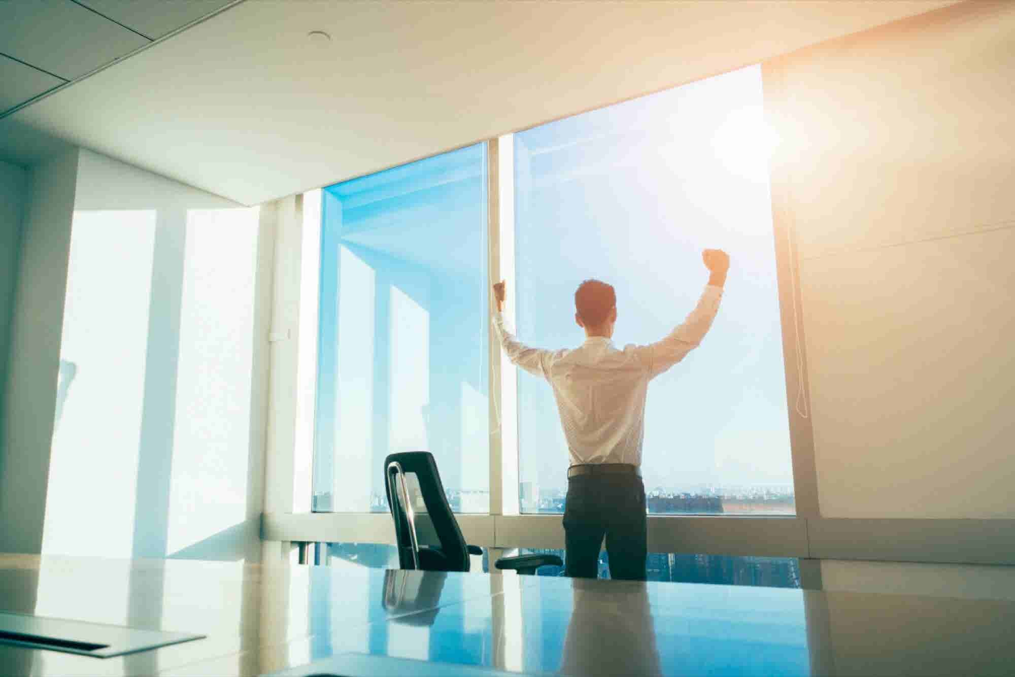 4 Ways to Sell Like the Rock Star Entrepreneurs