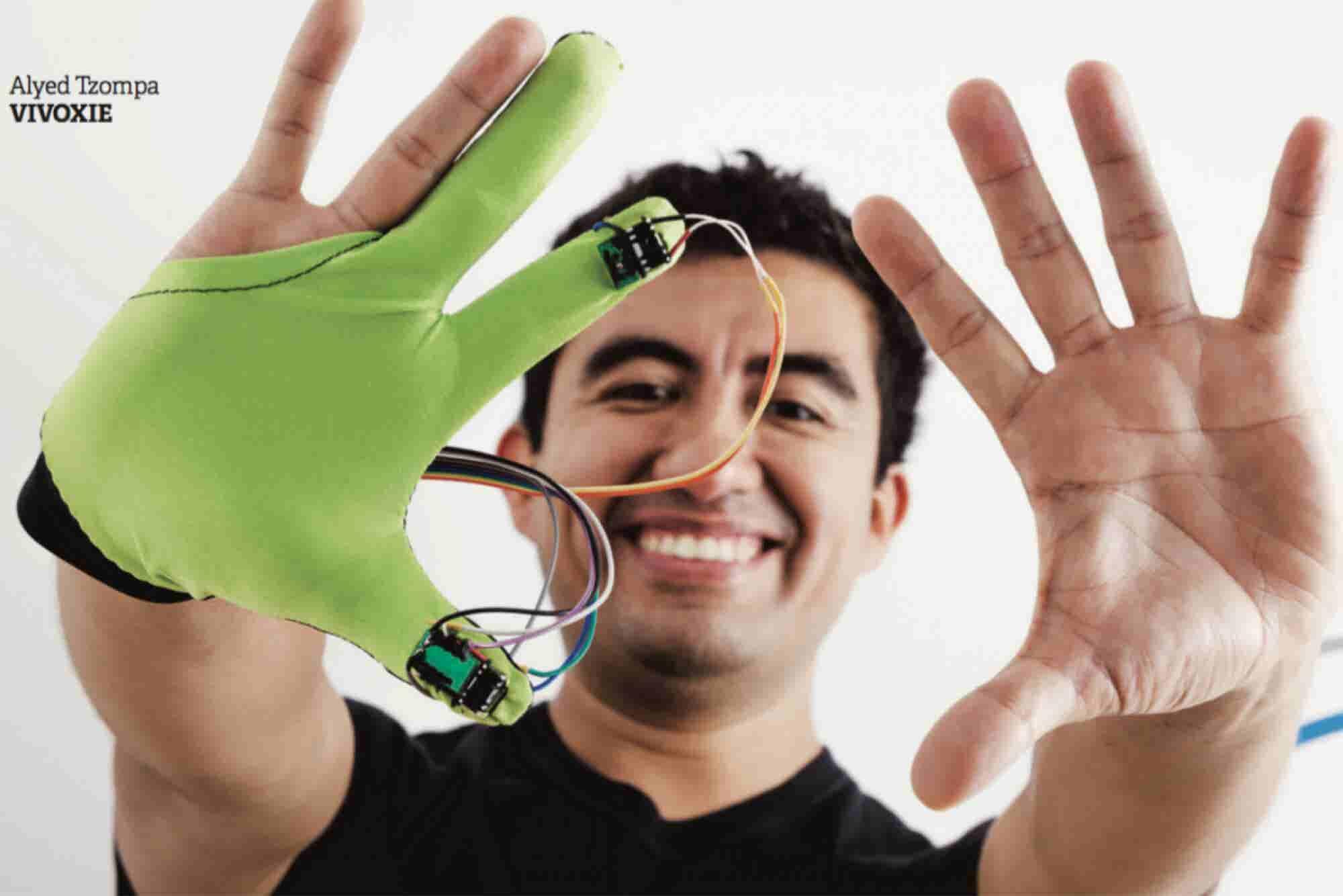 Este mexicano quiere que 'toques' la realidad virtual