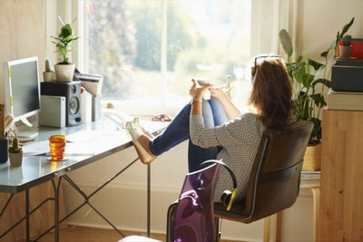 10 Telltale Signs You Need a Break From Work