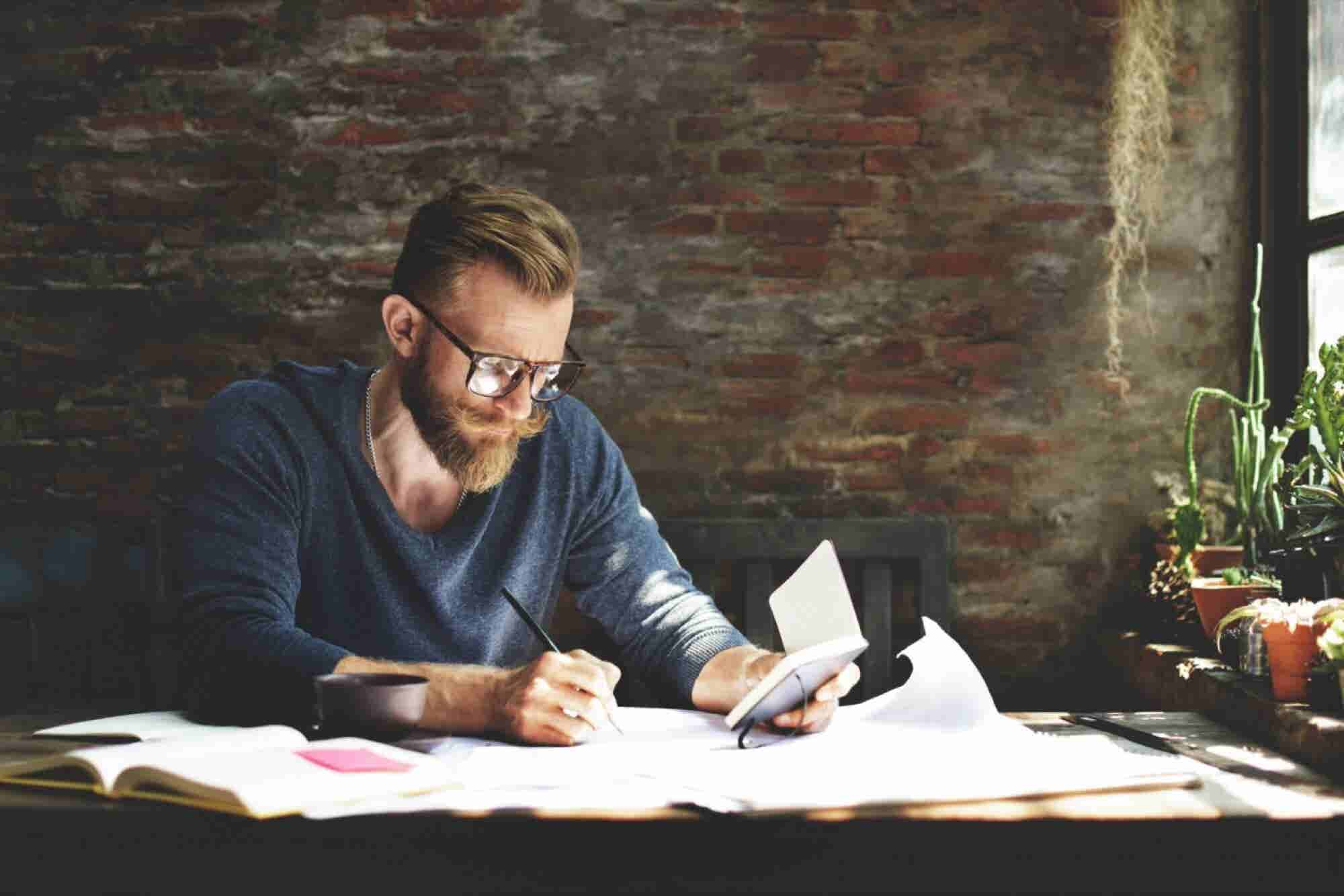 Entrepreneurship vs. Freelancing: What's the Difference?
