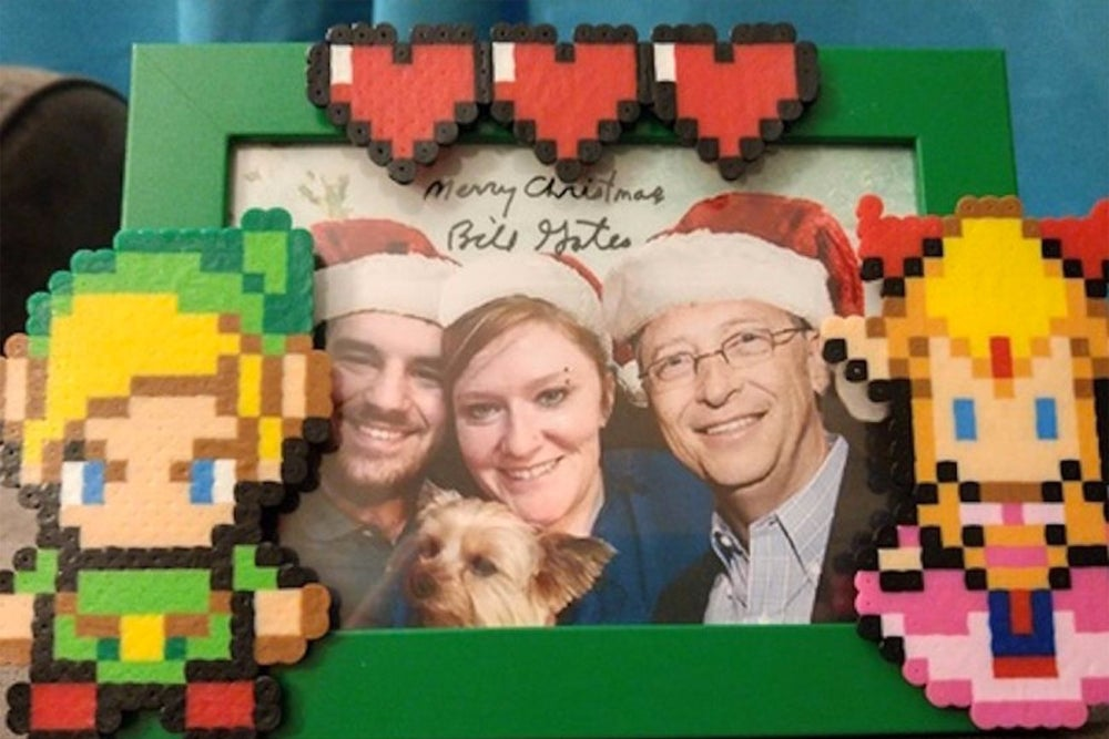 Check Out the Amazing Gifts Bill Gates Sent to This Reddit User