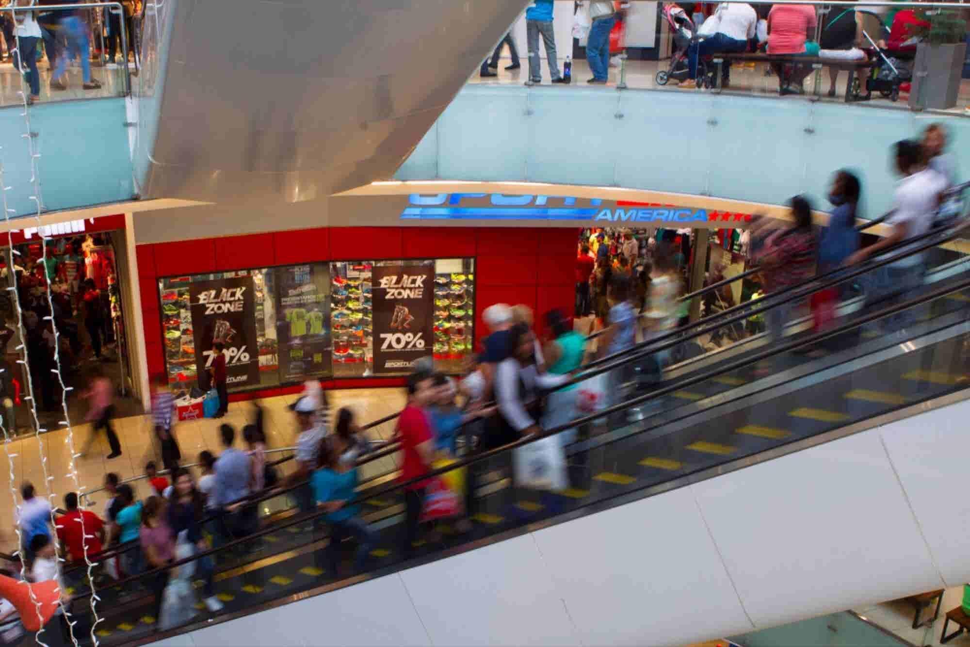 Fights and Disturbances Shut Down Malls Across U.S.