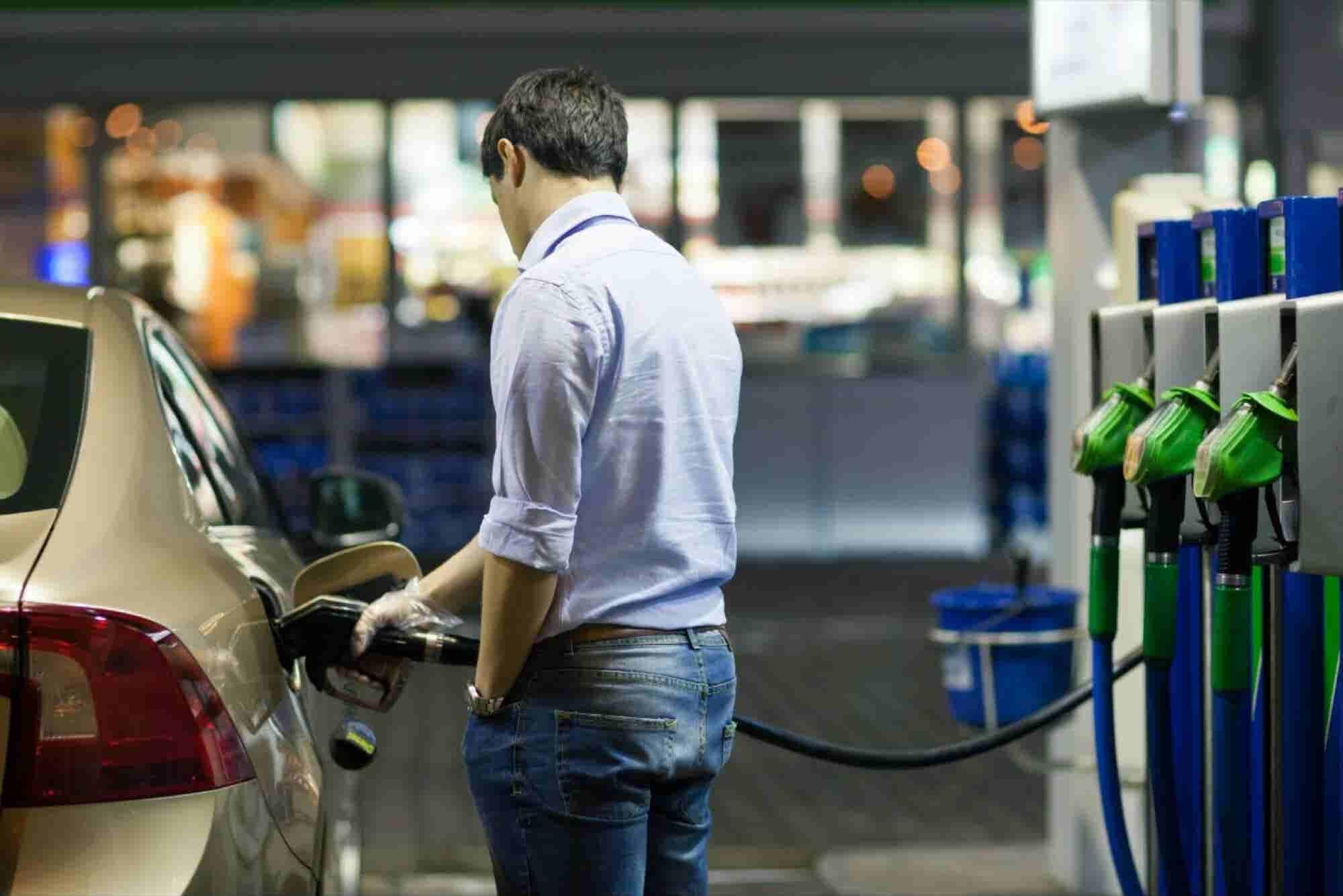 Así pegará en tu bolsillo el alza al precio de la gasolina