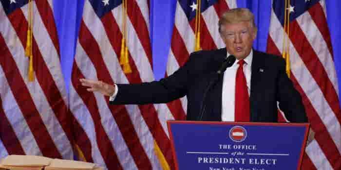 El muro va en los primeros días con o sin acuerdo con México: Trump