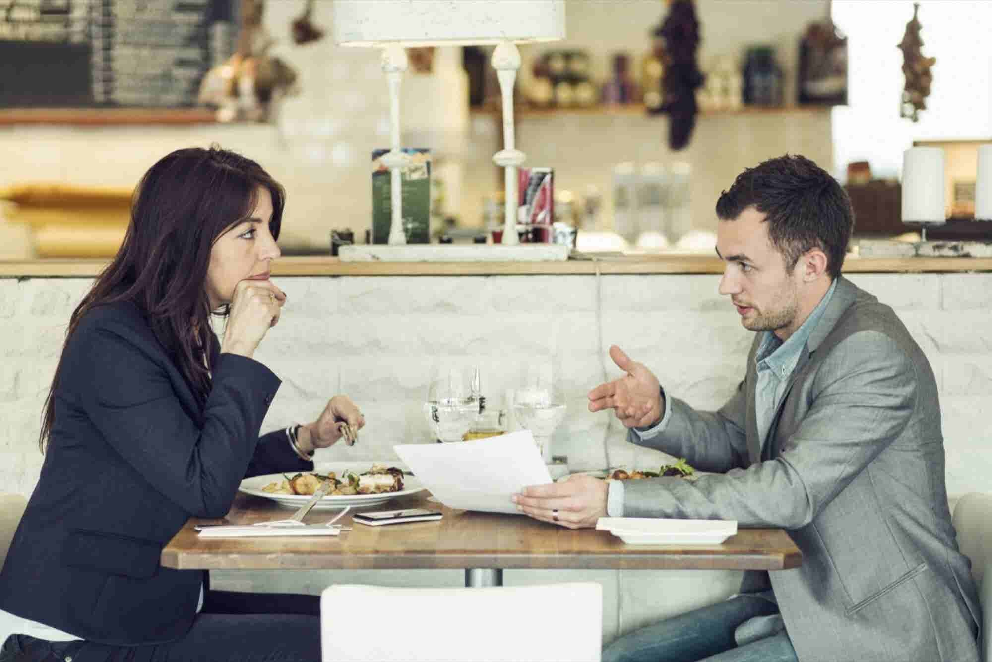 5 Ways Buying Lunch for a Client Makes You More Persuasive