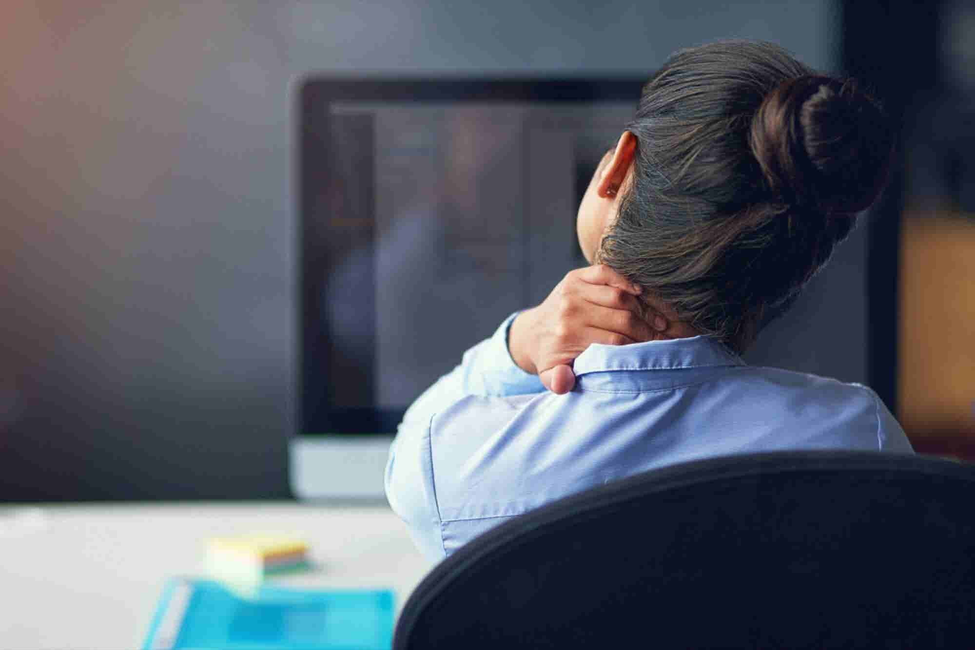6 Simple Strategies for Desk Jockeys to Keep Their Joints Pain-Free
