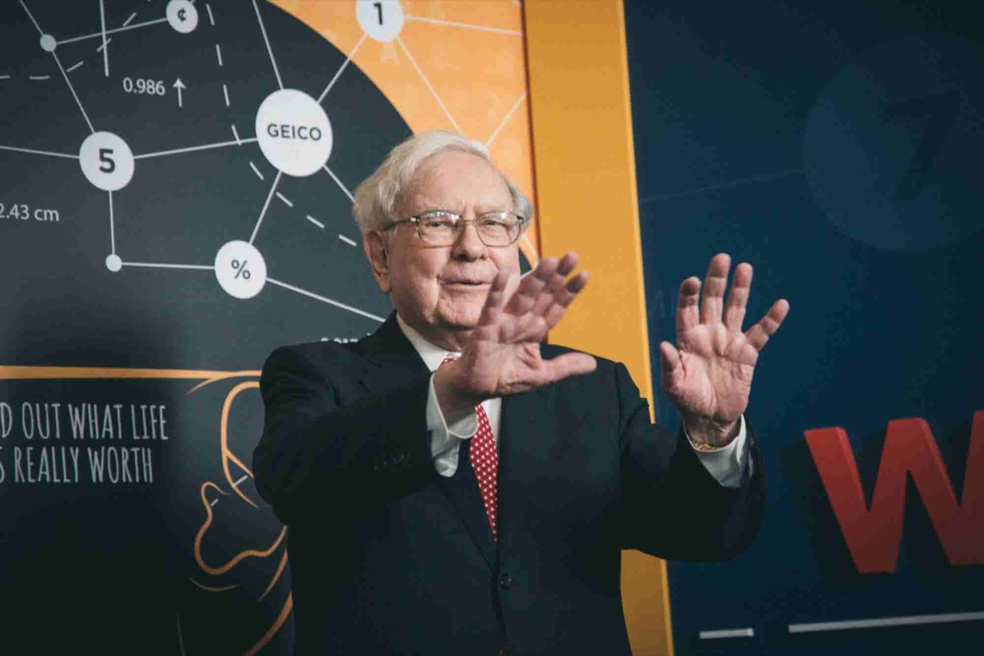 24 Mind-Blowing Facts About Warren Buffett and His $70 Billion Fortune