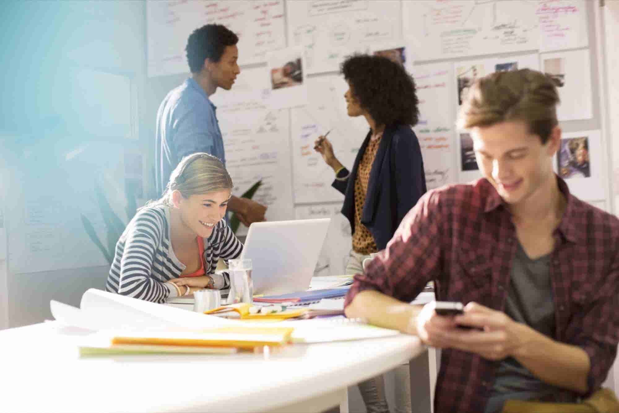 How to Keep Younger Team Members on Task Instead of Snapchat