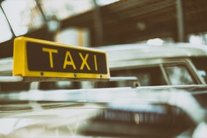 How Applications Have Eased the Service of Taxi Booking