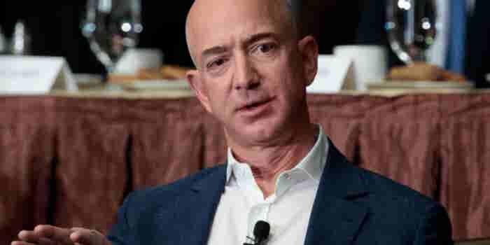 Jeff Bezos quiere un servicio a domicilio en la Luna