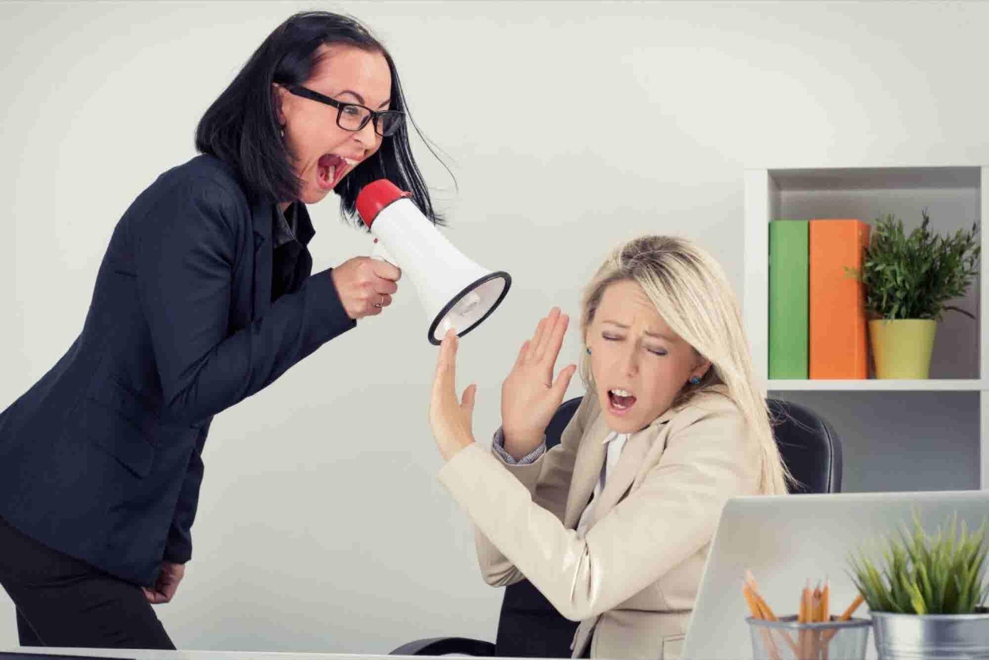 10 tips para convertirte en el jefe más odiado