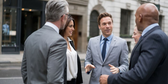 Where to Meet Angel Investors and How to Pitch Them When You Do